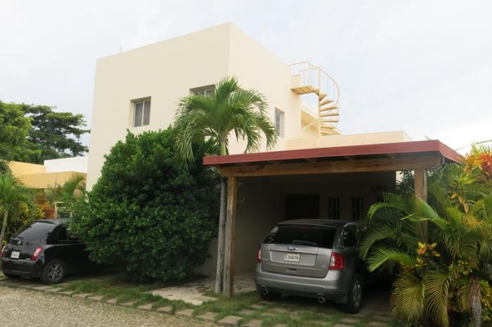 Sosua 3 beds villa with pool in gated community Dominican Estate
