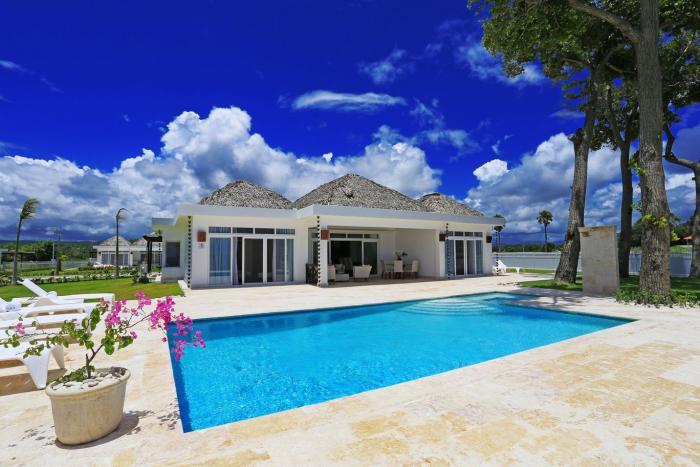 Sosua - brandnew luxury beachvilla owner financing up to 30 years Dominican Republic